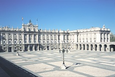 Vista frontal del Palacio Real