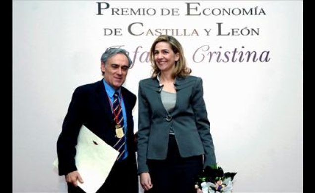 Su Alteza Real, con el director general del IEF