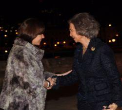 Sua Majestade a Rainha Sofia de Espanha é recebido pelo presidente das Ilhas Baleares, Francina Armengol