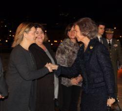 Sua Majestade a Rainha Sofia de Espanha é recebido pelo delegado do Governo da Comunidade Autónoma da Illes Balears, Maria Salom