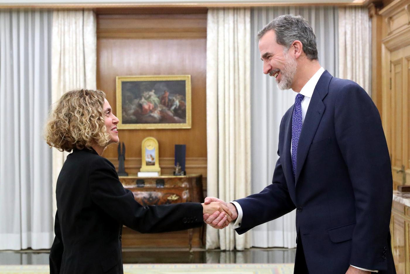 https://www.casareal.es/sitios/ListasAux/Galeras/20191210-CONSULTAS_DE_SU_MAJESTAD_EL_RE-ES-229258/rey_consultas_20191211_37.jpg