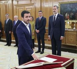 Don Alberto Garzón, ministro de Consumo, promete su cargo ante Su Majestad el Rey
