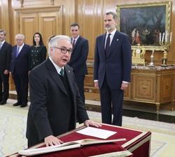 Don Manuel Castells, Ministro de Universidades, promete su cargo ante Su Majestad el Rey