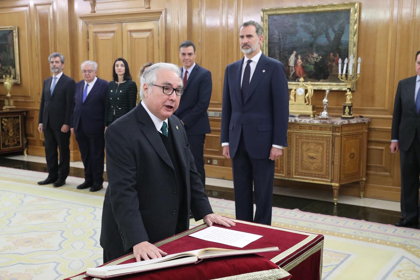 https://www.casareal.es/sitios/ListasAux/Galeras/20200113-PROMESA_DE_LOS_MINISTROS_DEL_N-ES-230187/rey_promesa_ministros_20200113_22.jpg