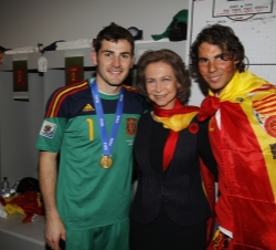 Her Majesty the Queen with Spanish athletes