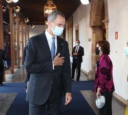 Su Majestad el Rey recibe el saludo de la presidenta del Congreso de los Diputados, Meritxel Batet en presencia de la Vicepresidenta Primera del Gobie
