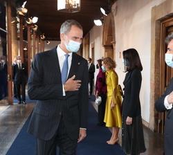 Su Majestad el Rey recibe el saludo Carlos Lesmes, Presidente del Tribunal Supremo y del Consejo General del Poder Judicial