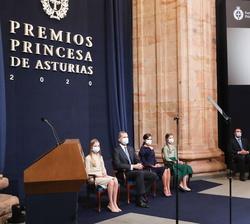 Proyección del Video de agradecimiento de Anne Carson, Premio Princesa de Asturias de las Letras