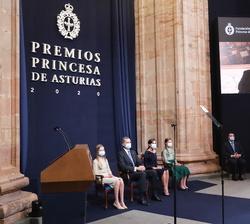Proyección del video de agradecimiento de John Williams, Premio Princesa de Asturias de las Artes