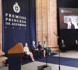 Proyección del video de agradecimiento de Ingrid Daubechies, Premio Princesa de Asturias de la Investigación Científica y Técnica